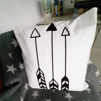 Shooting Arrow Geometric Cushion